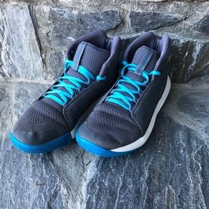 UNDER ARMOUR Boy's Mid Basketball Shoes